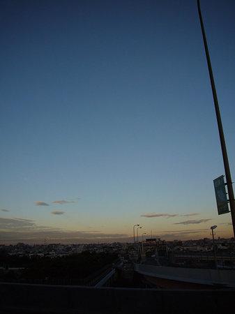 高速から見た街