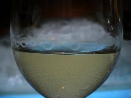 ワインのプール